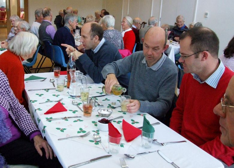 contact Christmas lunch 5